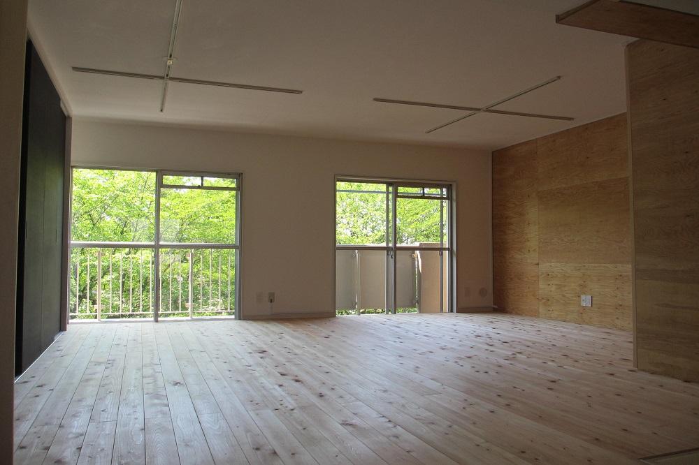無垢杉板の公団の家